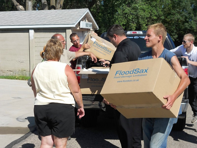 FloodSax - how easy they are to carry to scene3.jpg