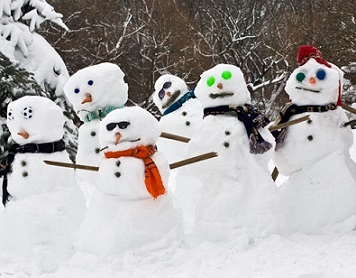 Nigel and his snowmates are sure hoping for a White Christmas